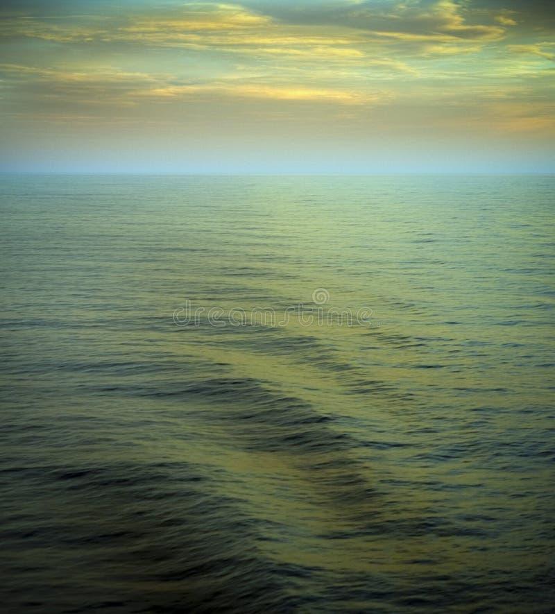 Oceano e bello orizzonte fotografia stock