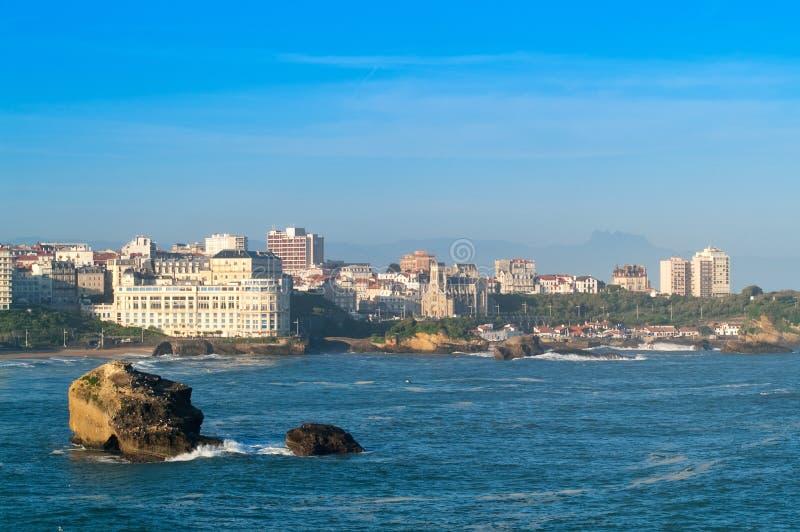 Oceano e cidade fotografia de stock royalty free