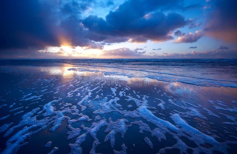 Oceano e tramonto fotografia stock libera da diritti