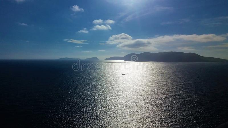 Oceano lungo le Dingle Paninsula fotografia stock