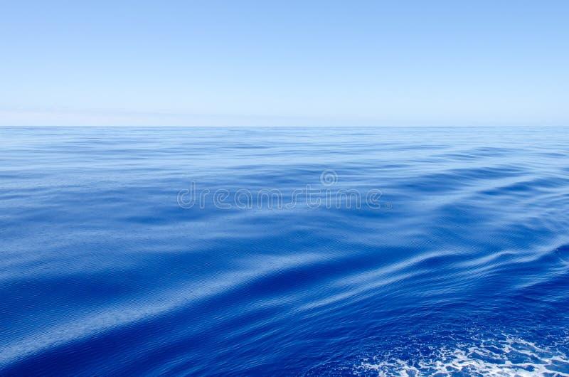 Oceano molto calmo fotografia stock