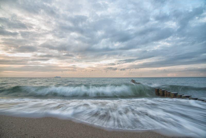 Oceano sonhador, pastel, exposição longa imagens de stock royalty free