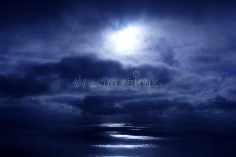 Oceano tormentoso foto de stock