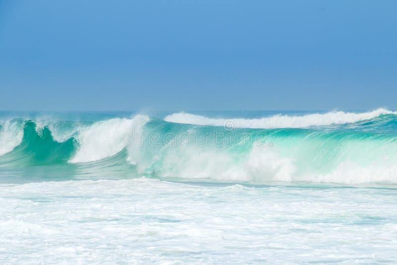 Oceano Wave verde della spuma immagini stock libere da diritti