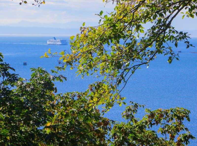 Oceanu liniowiec iść suszarka niż dopłynięcie Vancouver 2014 obraz royalty free