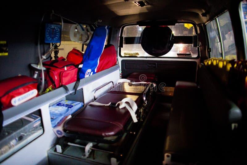 Ochotniczy EMTs obrazy stock