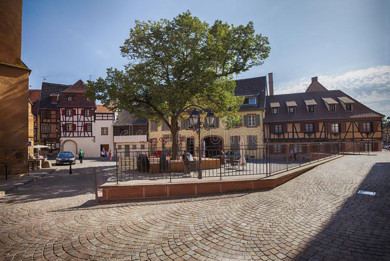Ochtend in Colmar, oude middeleeuwse stad in het gebied van de Elzas in Frankrijk royalty-vrije stock afbeelding