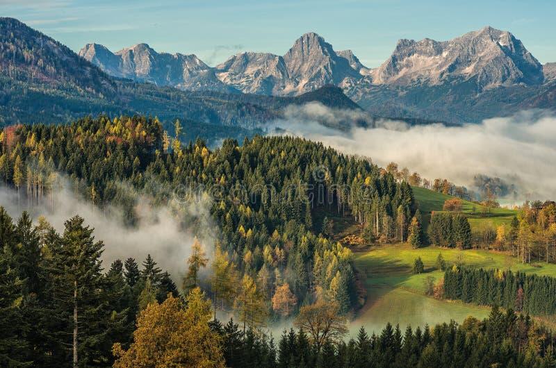 Ochtend in de Alpen royalty-vrije stock afbeelding