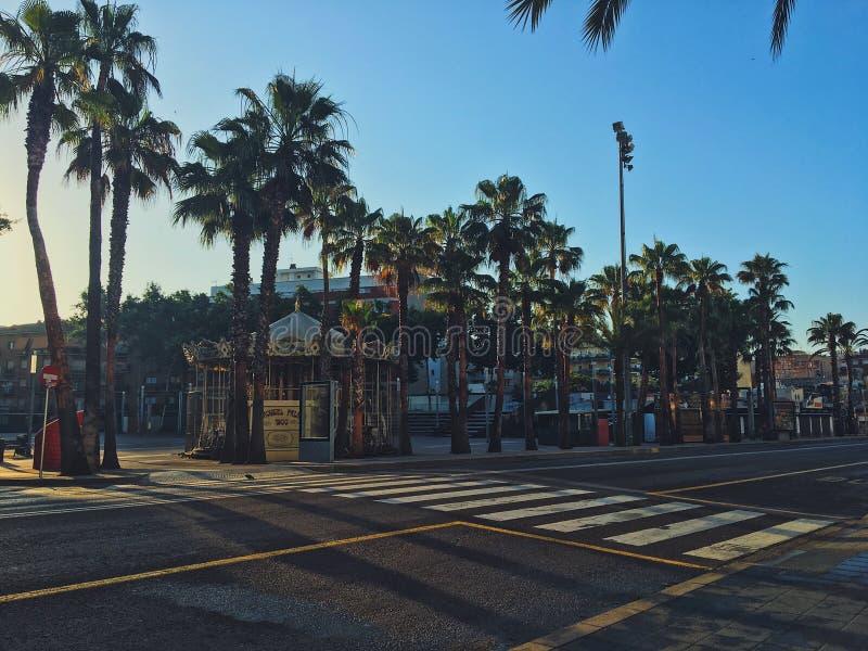 Ochtend en eenzame straten van Barcelona stock foto's
