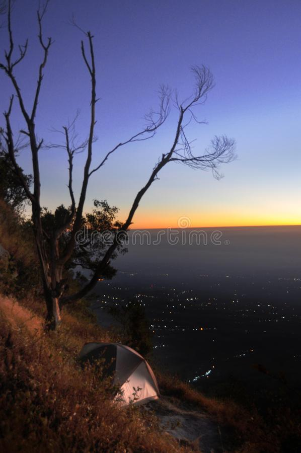 Ochtend op Merapi-Berg, Centraal Java, Indonesië stock foto