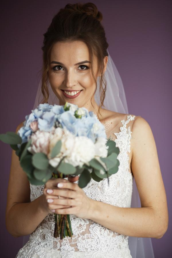 Ochtend van de Bruid Portret van de bruid stock foto
