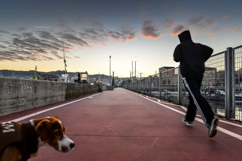 Ochtend in Vigo - Spanje in werking dat wordt gesteld dat stock foto's