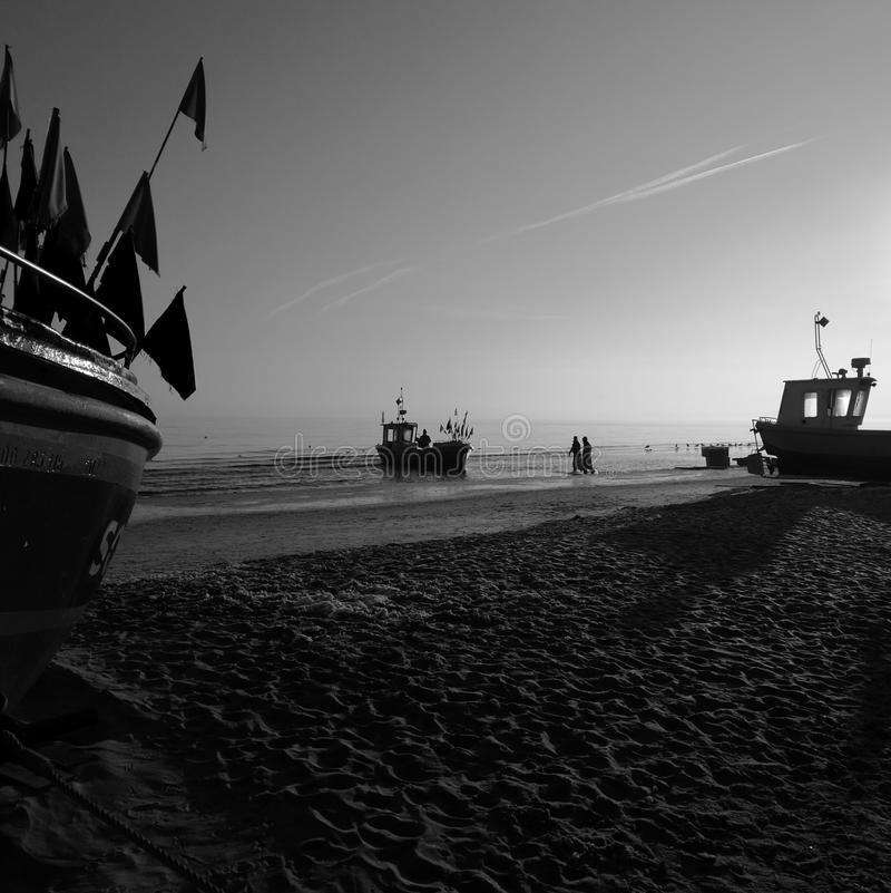 Ochtend visserij Artistiek kijk in zwart-wit royalty-vrije stock afbeeldingen