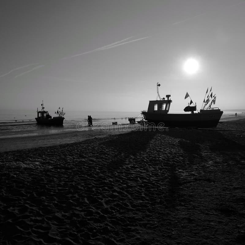 Ochtend visserij Artistiek kijk in zwart-wit royalty-vrije stock foto's