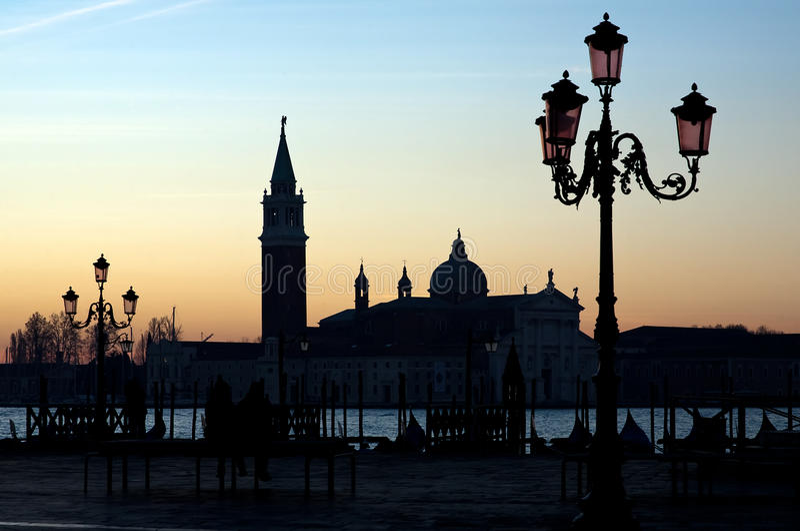Ochtenddageraad in Venetië stock afbeeldingen