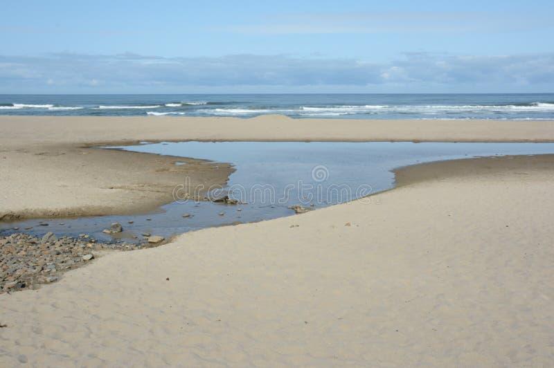 Ochtendlicht op de Kust van Lincoln City Beach - van Oregon royalty-vrije stock afbeelding