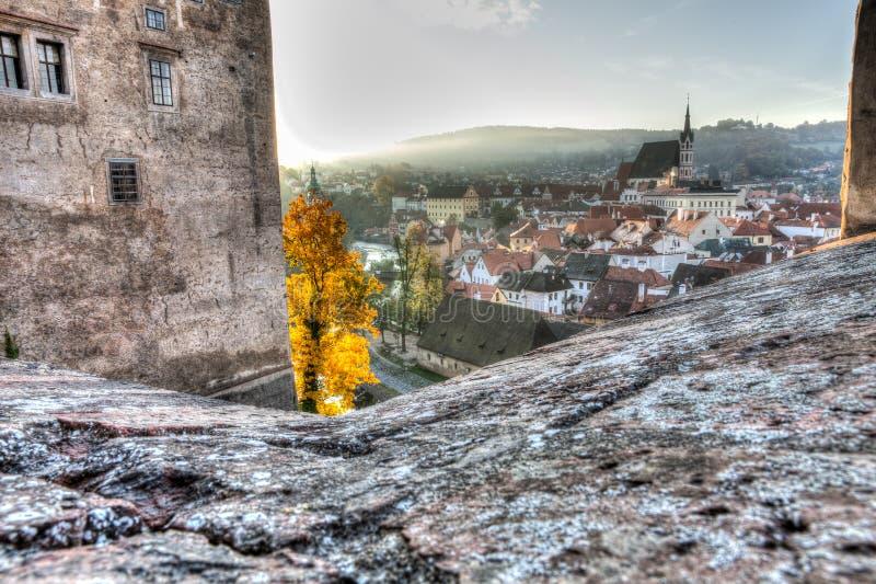 Ochtendmening van Cesky Krumlov, Tsjechische Republiek royalty-vrije stock fotografie