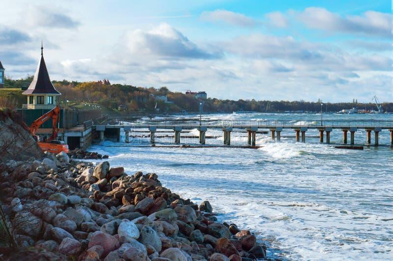 Особняк взморья, резиденция президента, Балтийское море стоковые изображения rf