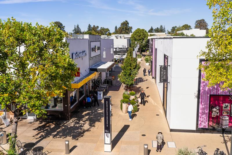 Oct 10, 2019 Palo Alto / CA / USA - People shopping at the upscale open air Stanford shopping center, San Francisco bay area royalty free stock photography