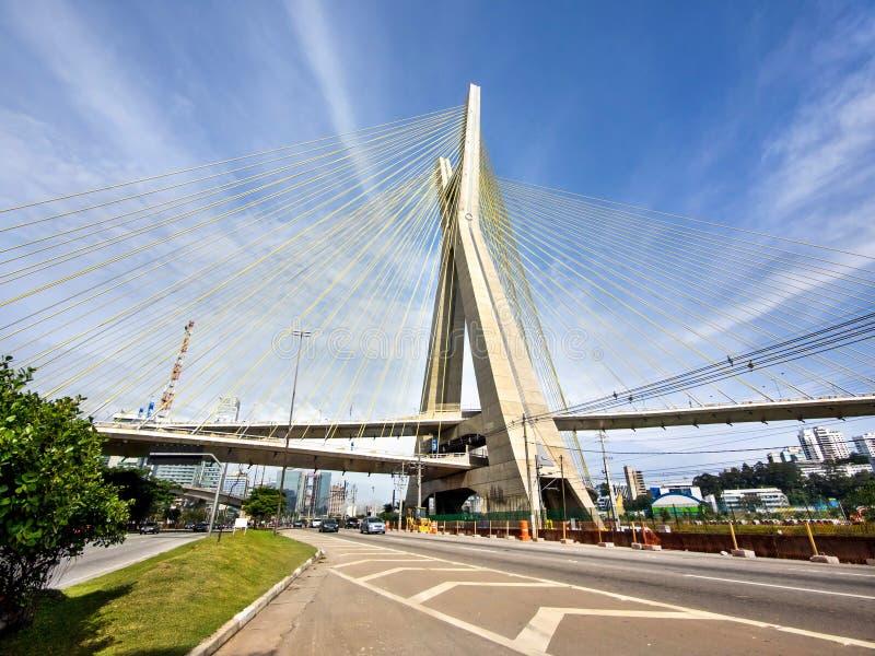 Octavio Frias de Oliveira Bridge, Sao Paulo, Brasil imagens de stock royalty free