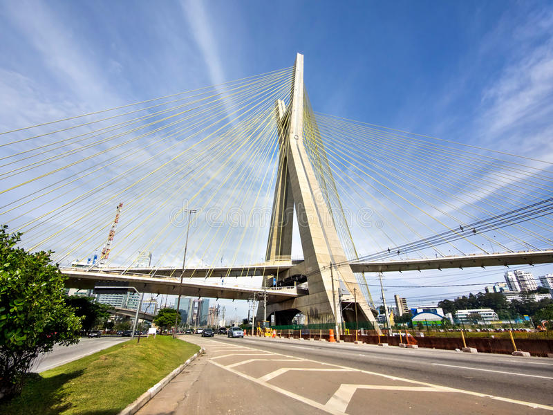 Octavio Frias de Oliveira Bridge, Sao Paulo, Brasile immagini stock libere da diritti