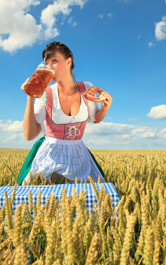 Download Octoberfest foto de stock. Imagem de cheerful, eventos - 10050150