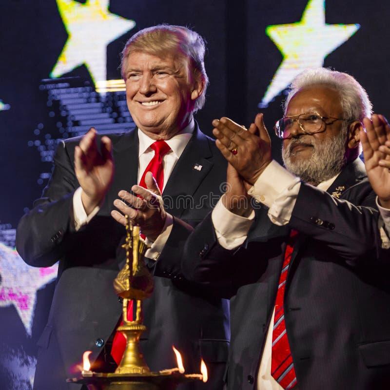 15 octobre 2016, EDISON, NJ - Donald Trump et Shalabh Kumar au rassemblement d'Edison New Jersey Hindu Indian-American pour la 'h photographie stock