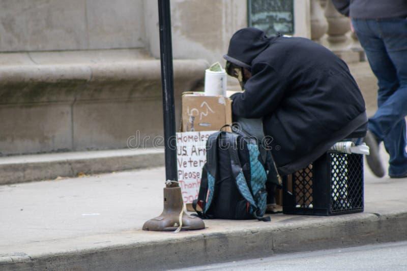 28 octobre 2019 Homeless U S Vétérinaire de l'armée photographie stock