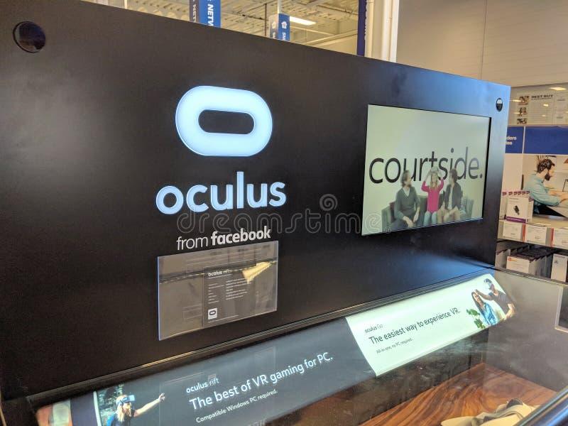 Oculus d'affichage de Facebook dans le magasin de Honolulu Best Buy images stock