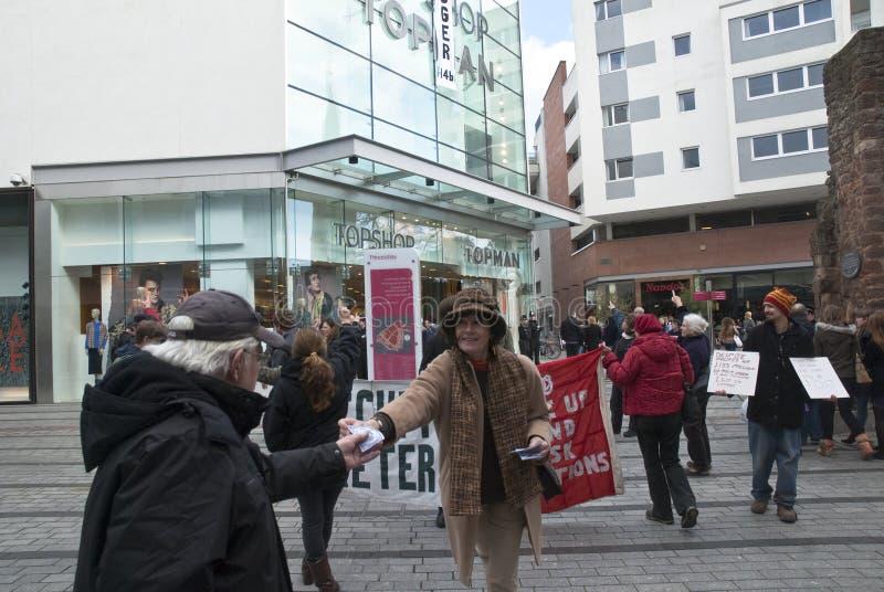 Ocupe activistas de Exeter fazem campanha em Exeter fotos de stock