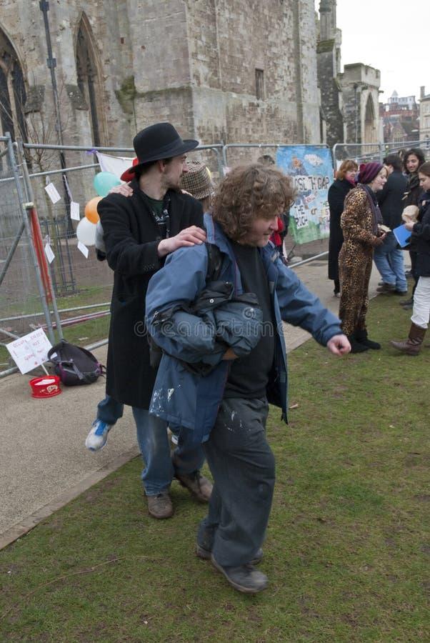 Ocupe o activista de Exeter participam em um conga imagens de stock royalty free
