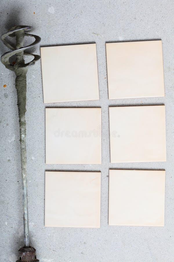 Odświeżania narzędzia świder dla beton płytek i mieszać w domu zdjęcie royalty free
