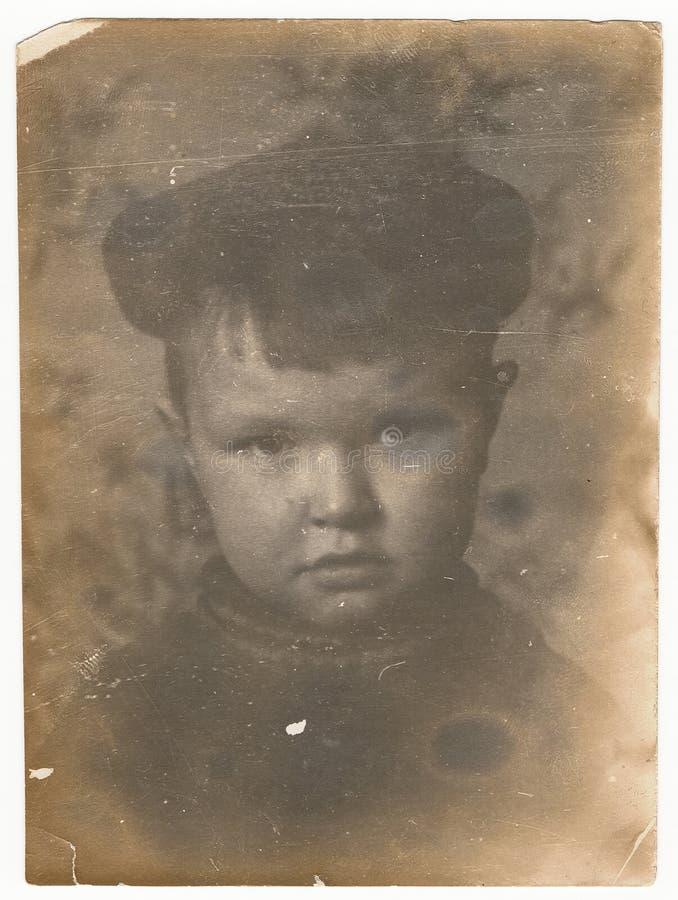 Od Sovjet Zwart-witte portretfoto van een kleine jongen stock fotografie