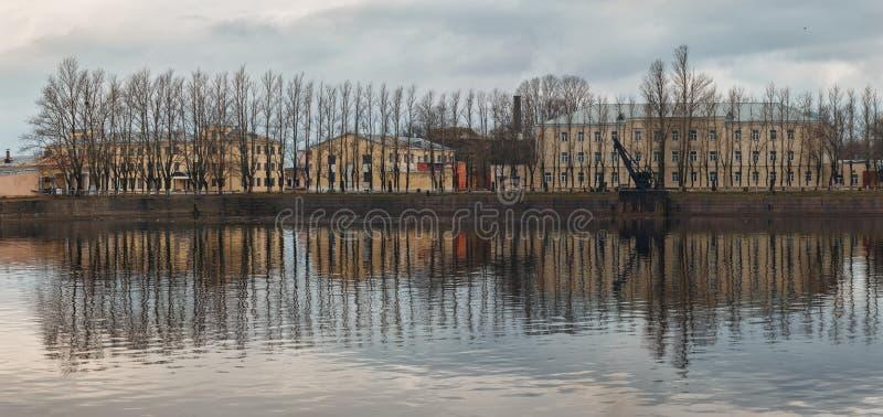 Odbicia drzewa w Kronstadt obraz royalty free