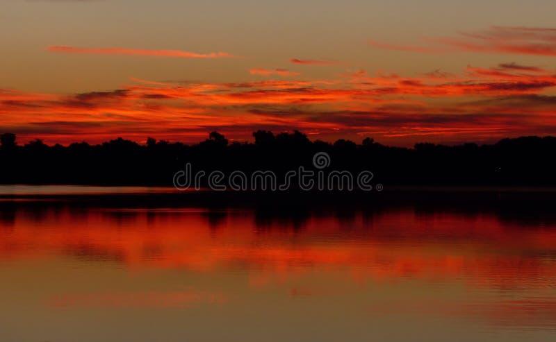 Odbijający wschód słońca obrazy stock