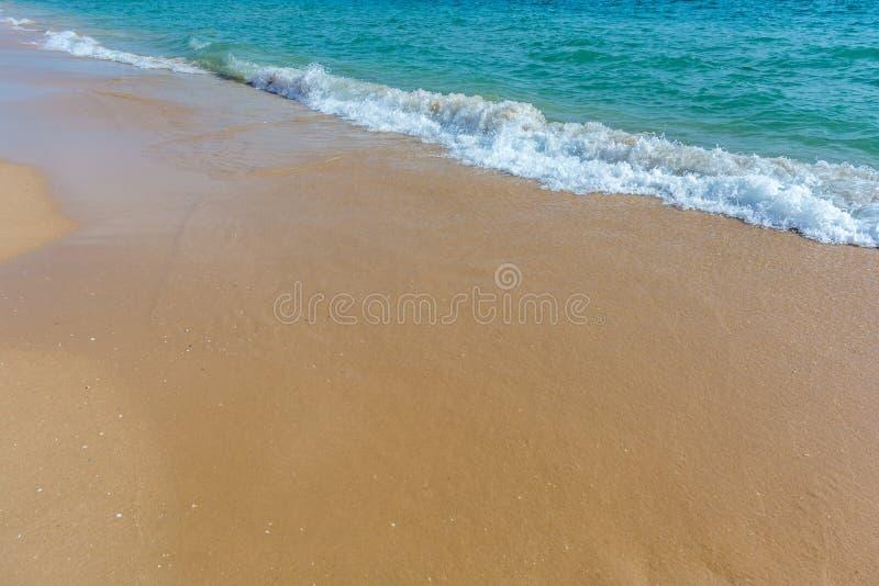 Odbitkowa przestrzeń na plażowym obrazku z kipielą zdjęcie stock