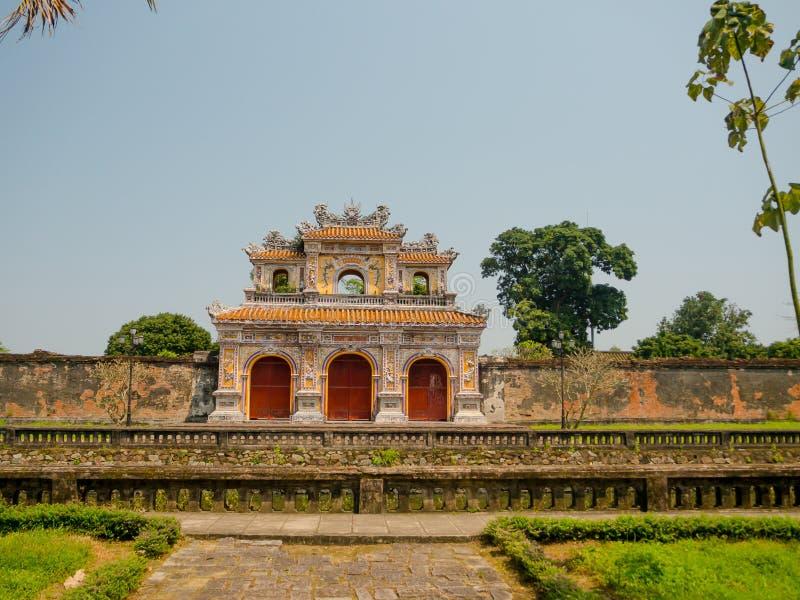 Odcień Wietnam, Wrzesień, - 13 2017: Piękna świątynna Thien Mu pagoda Unesco Światowego Dziedzictwa Miejsce Lokalizować w odcieni zdjęcie royalty free