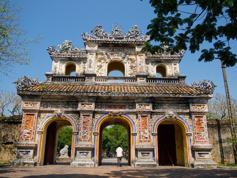 Odcień Wietnam, Wrzesień, - 13 2017: Wejście cytadela, odcień, Wietnam Unesco Światowego Dziedzictwa Miejsce zdjęcia stock
