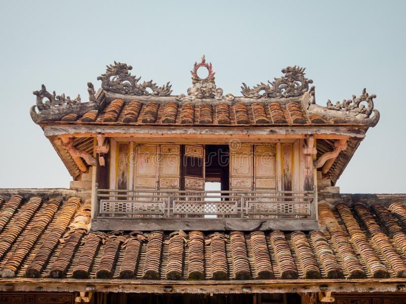 Odcień Wietnam, Wrzesień, - 13 2017: Zamyka up stara piękna świątynia, lokalizować w odcieniu, Wietnam fotografia royalty free