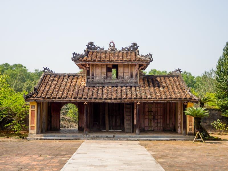 Odcień Wietnam, Wrzesień, - 13 2017: Zamyka up stara piękna świątynia, lokalizować w odcieniu, Wietnam obrazy stock