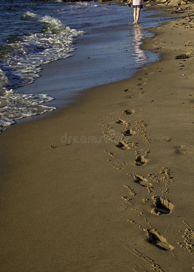 Odciski stopy w piasku obrazy royalty free