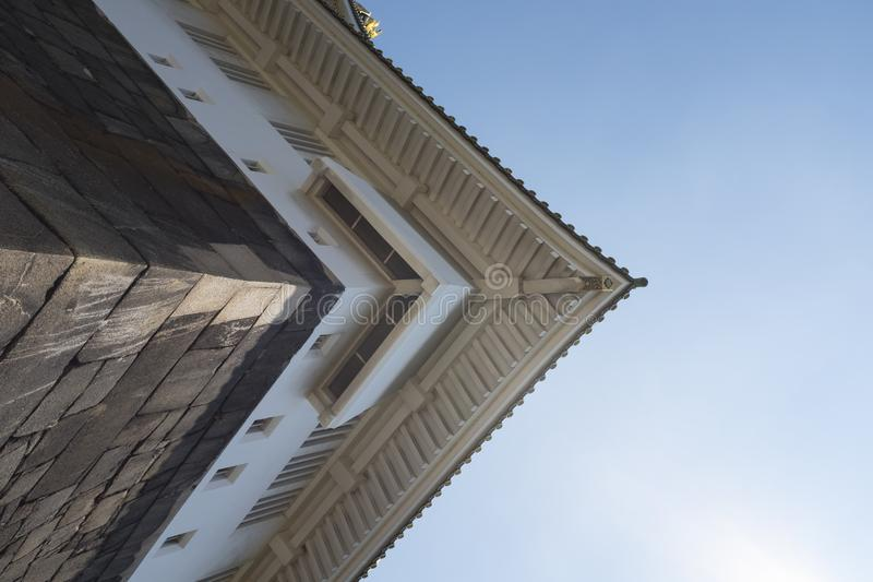 Oddolny viewing kąt, okapy antyczni budynki obrazy royalty free