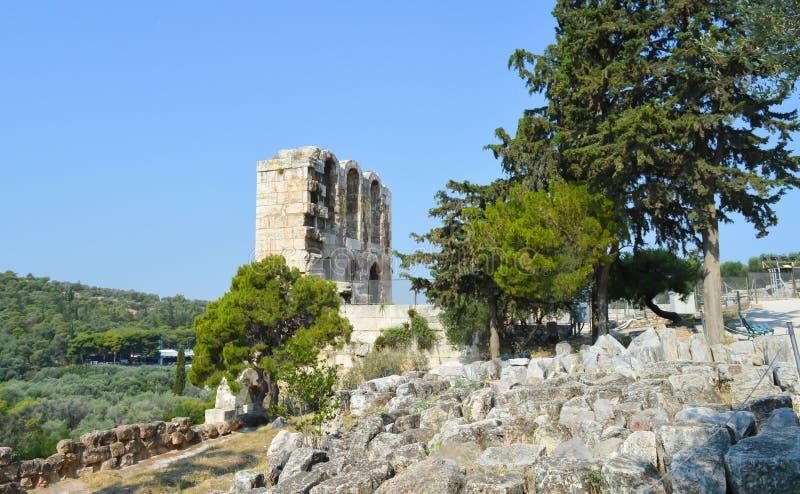Odeon del Atticus de Herodes en acrópolis en Atenas, Grecia el 16 de junio de 2017 foto de archivo