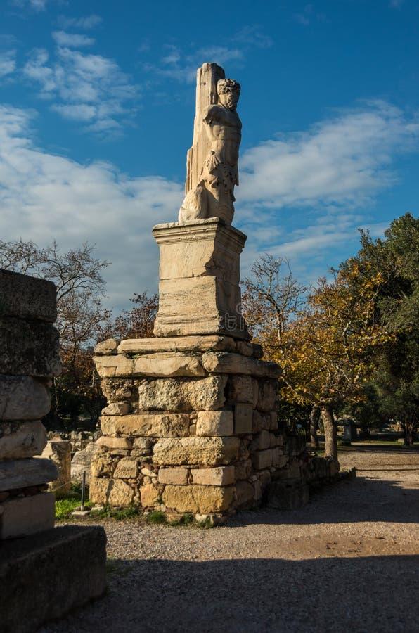 Odeon van Agrippa-standbeelden in Oud Agora van Athene royalty-vrije stock afbeeldingen