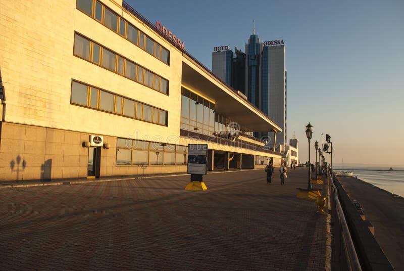 Odessa Hotel an der Dämmerung stockbilder