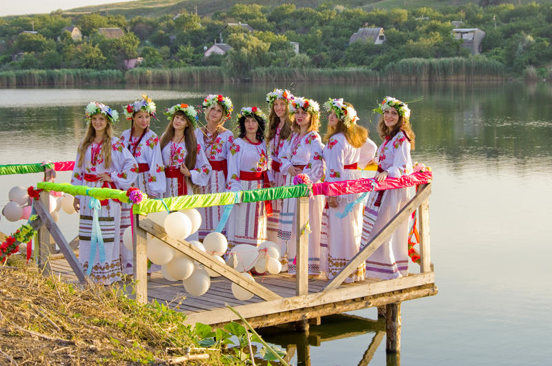 Odessa-Region, Dorf Vizirka, Ukraine - 6. Juli 2013: Feiertag Ivana Kupala Night stockfoto