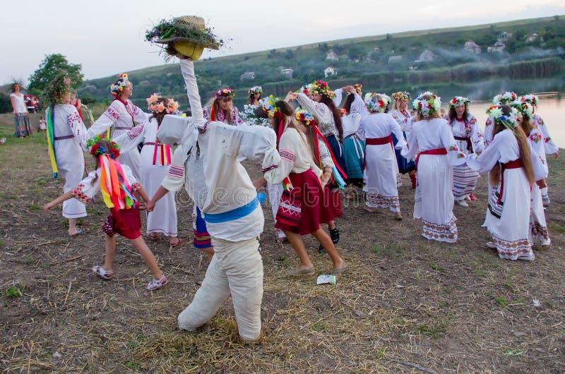 Odessa-Region, Dorf Vizirka, Ukraine - 6. Juli 2013: Feiertag Ivana Kupala Night stockbild