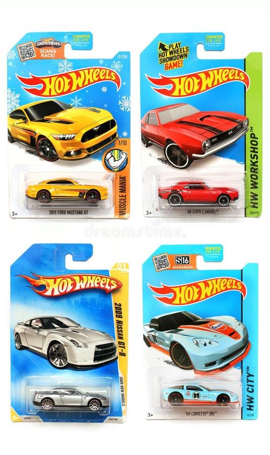 Odessa, Ucr?nia - em novembro de 2017: Hot Wheels Brinquedos das crian?as m?quinas Brinquedos em um fundo branco fotos de stock