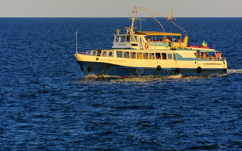Odessa, Ukraine - 8. August 2018 Schiff für Wege in der hohen See herein lizenzfreies stockfoto