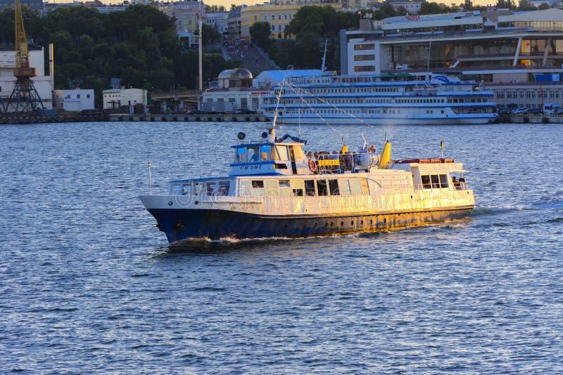 Odessa, Ukraine - 8. August 2018 Schiff für Wege in der hohen See herein stockfotos